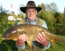 Bill Singleton with a 18lb 12oz common carp caught 6 weeks after Rob Keelings